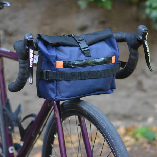 sacoche de cintre de vélo bleue, noir, orange