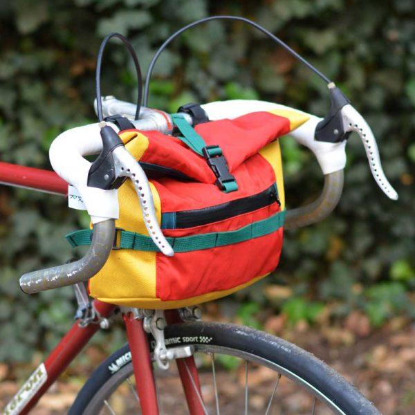 Sacoche de guidon rouge jaune vert sur-mesure