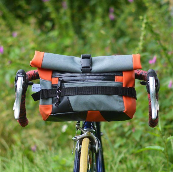 Sacoche de guidon de vélo orange et gris